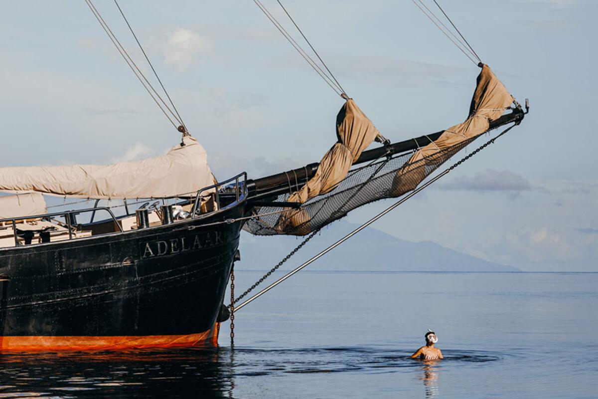 diving with Adelaar Cruises