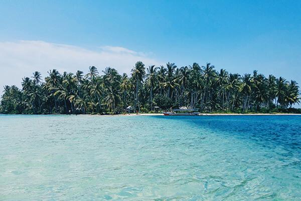 private charter Forgotten Islands