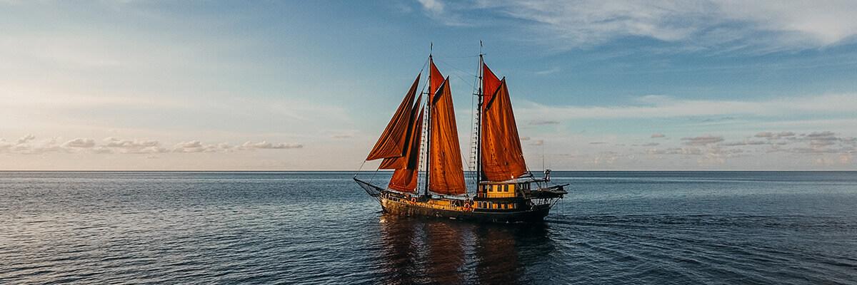 luxury sailboat Indonesia